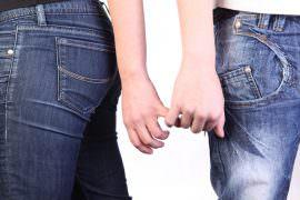 couple-marriage-love-divorce-hands
