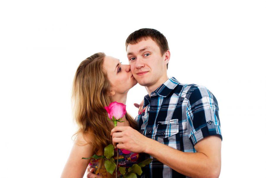 girl kisses a guy
