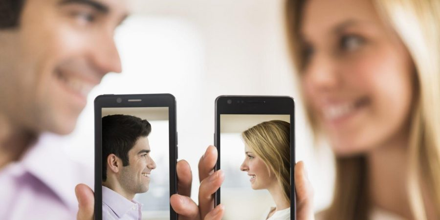 man and woman meet online